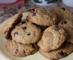 All-Bran Cereal Box Chocolate Chip Cookies - Cookie Madness Dark Chocolate Chips, Chocolate Box, Chocolate Chip Cookies, Cereal Recipes, Baking Recipes, Healthy Sweet Treats, Healthy Foods, All Bran, Bran Cereal