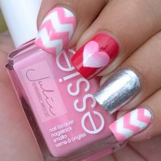 'Chevron cut out ombré heart' nails nail art by Julie Awouters Get Nails, Fancy Nails, Love Nails, How To Do Nails, Secret Nails, Valentine Nail Art, Uñas Fashion, Manicure E Pedicure, Fabulous Nails