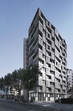 Edificio de 68 viviendas, locales comerciales y aparcamientos OAB – FERRATER & ASOCIADOS