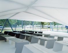 From the inaugural Zaha Hadid design to BIG's bolted masterpiece, we look back at the history and architects behind London's famous Serpentine Gallery Pavilion Origami Architecture, Concept Architecture, Contemporary Architecture, Architecture Sketches, Landscape Architecture, Zaha Hadid Architektur, Arquitectos Zaha Hadid, Zaha Hadid Design, Peter Zumthor