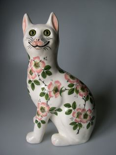 Hand Painted Pottery, Pottery Painting, Paper Mache Animals, Clay Cats, Cat Statue, Ceramic Figures, Ceramic Animals, Cat Decor, Cat Doll