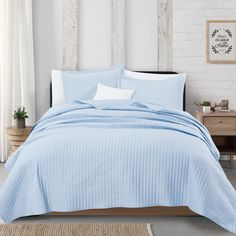 Great Bay Home Alicia Collection Channel Stitch Quilt Set King Baby Blue Twin Quilt, Quilt Bedding, Bedding Sets, King Baby, Queen Quilt, House Prices, Bed Spreads, Minimalist Design, Bedroom Decor