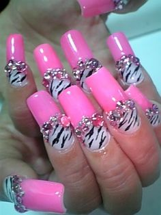 Pink zebra nail designs I love zebra print and any animal print and I love the hit pink on them these nails are just so cute Pink Zebra Nails, Hot Pink Nails, Fancy Nails, Bling Nails, Trendy Nails, Pink Bling, Diy Nails, Zebra Nail Art, Zebra Nail Designs