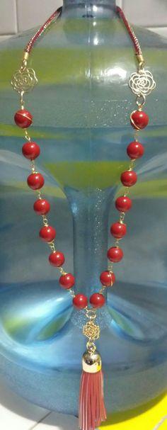 Collar engarsado de cristal y rosas...rojo intenso !!!