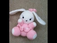 Mesmerizing Crochet an Amigurumi Rabbit Ideas. Lovely Crochet an Amigurumi Rabbit Ideas. Bunny Crochet, Crochet Mignon, Crochet Amigurumi, Amigurumi Patterns, Amigurumi Doll, Crochet Animals, Crochet Dolls, Crochet Flowers, Crochet Baby