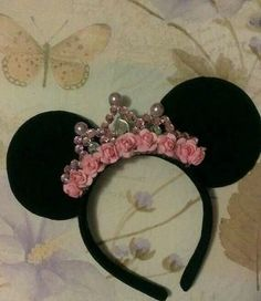 Gorgeous Minnie Mouse Ear Headband with Custom crown all Black made of soft flannel material Minie Mouse Party, Minnie Mouse Theme, Mickey Party, Fete Emma, Mickey E Minie, Mickey Mouse Birthday, Ear Headbands, Halloween Kostüm, Mouse Parties