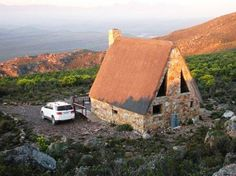 Klipspringer Groot Toren McGregor - Klipspringer is a peaceful mountain retreat surrounded by fynbos and beautiful views that can only be reached by a vehicle. This fully equipped stone-built, thatch roof cottage is situated on the . Weekend Cottages, Jeep Trails, Tent Living, Barn Pictures, Solo Travel, Travel Packing, Travel Local, Farm Stay, Thatched Roof