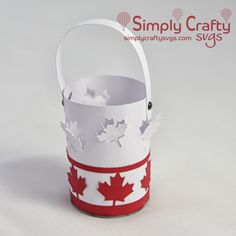 Make one or several tealight holders for your Canada Day celebration with the FREE Canada Mini Lantern SVG File. Mini Lantern for national day of Canada.#simplycraftysvgs #canadaday #freesvg