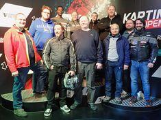 Gruppenfoto von der melabel-Belegschaft vor dem zweiten Kart-Rennen Bomber Jacket, Jackets, Fashion, Photos, Workshop, Cards, Photo Illustration, Down Jackets, Moda