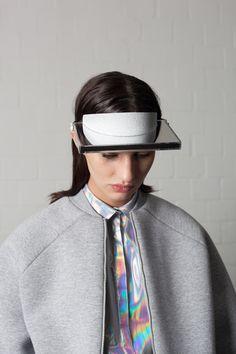 Ich ist ein Anderer- I is an other Graduation collection Leonie Barth (Hierdie combo, die neutral grys met die hologram)