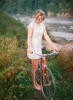 Flower Crown Society: Lookbook / Down by the River