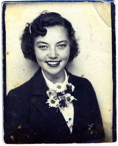 ** Vintage Photo Booth Picture **   Smiley face.  Love the story that goes with this pic.