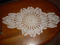 Ravelry: Pineapple Doily pattern by Yarn Lover's Room