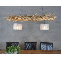 Deze unieke, handgemaakte lamp geeft uw ruimte een natuurlijke uitstraling. Hanglamp gemaakt van brocante, kronkelige decoratietakken. De hanglamp (135 cm) is bevestigd aan een roestvrijstalen frame om de lamp aan het plafond te kunnen bevestigen. Het frame is in hoogte verstelbaar (50 cm tot 80 cm). 2 Jute zilveren lampenkapjes (22 cm x 15 cm) met een verlichtingspunt. Levering is exclusief lampen. Lampenkapjes zijn ook in andere kleuren verkrijgbaar. Andere maten verkrijgbaar in overleg. Shelves, Home Decor, Shelving, Decoration Home, Room Decor, Shelving Units, Home Interior Design, Planks, Home Decoration