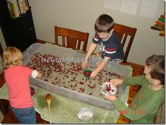 play with floating cranberries