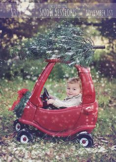 Christmas Mini Snow sessions www.sara-annephotography.com Christmas card ideas Burlington NC photographer