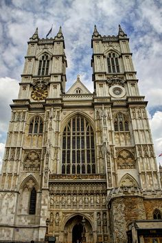 Westminster Abbey in London is a must-see spot in London, England. So many interesting pieces of English history tucked into this building