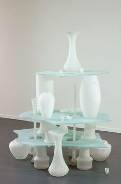 Van Abbemuseum: collectie  Eroded Landscape 1991   glas (geïnstalleerd kunstwerk) 160,5 x 156 x 125 cm  Verworven in 1991