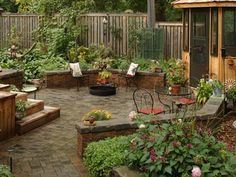 Image from http://www.circlecitydesigners.com/wp-content/uploads/2015/05/backyard-bbq-patio-designs.jpg.