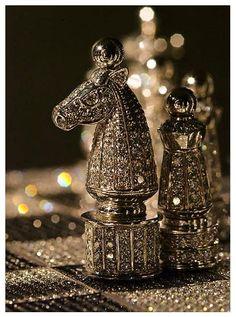 The Royal Diamond Chess set, by Bernard Maquin.I want this fucking chess set ! Bling Bling, Glamour Décor, Bracelet Chanel, Royal Diamond, Moda Do Momento, Luxe Life, Jolie Photo, Luxury Lifestyle, Black Silver
