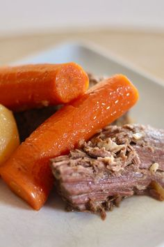 This slow cooker beef and veggies recipe is an easy pot roast recipe! Cook the best pot roast in your crockpot using beef chuck roast, potatoes, carrots, and Italian seasoning. You will love cooking this crockpot recipe for dinner!