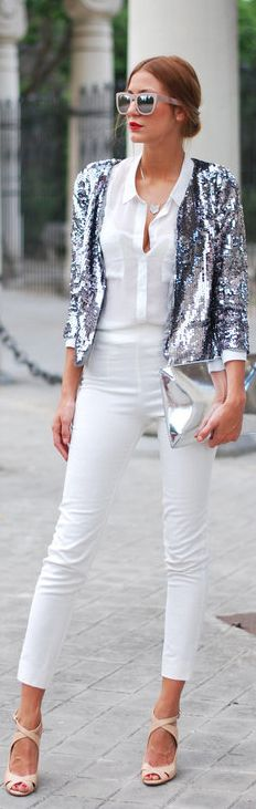 Love the jacket together with the white outfit. White Always makes a statement!!