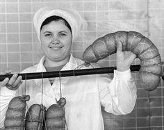 Tumblr О!!! Советская колбаска! Телячья или Столичная? Обе - вкусноты необыкновенной. Помню-помню.