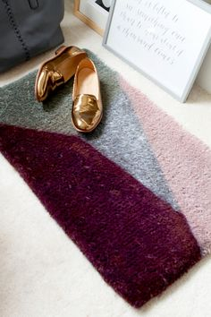 DIY Modern Color-Blocked Door Mat: Brings a great splash of color to any entry!