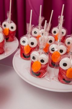 Marshmallow Elmo pops for the dessert bar #MySimplyPerfectEvents #events #kidsparties #elmo #balloons #tassels #balloontassels #balloontassel #elmoparty #elmopartyidea #elmopartyideas #birthdayparty #kidsbirthdayparty #kidsparty #partyplanner #kidspartyplanner #MySimplyPerfect #marshmallow #Elmomarshamallowpops #dessertbar #desserttable