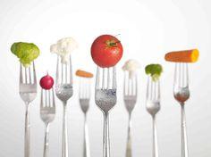 Hårtap - slanking - dietter  Å oppleve hårtap som følge av diett er svært vanlig. Hvis en kvinne mister 10% av kroppsvekten, kan det føre til proteinmangel og ubalanse i inntaket av mineraler. En langvarig ernæringsmessig ubalanse kan bidra til akutte og kroniske hårtap.  http://dsdpharma.no/collections/anti-hartap-og-harvekst-stimulering   #hårtap #slanking #dietter #proteinmangel #ubalanse #mineraler #dsddeluxe