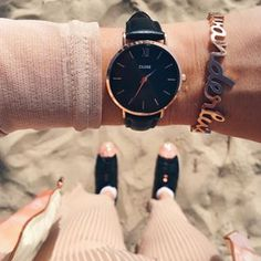 What time is it now?! I get confused with the time changes in Europe and here. Now, it's a 9-hour-time-difference again I think!🤔 Whatever, at least I got a beautiful new watch thanks to @clusewatches ⌚️#CLUSE #clusewatches #minuitrosegold #ad #timechange