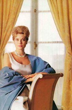 Grace Kelly                                                       …