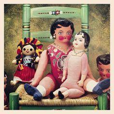 Muñecas típicas mexicanas de cartón y de trapo