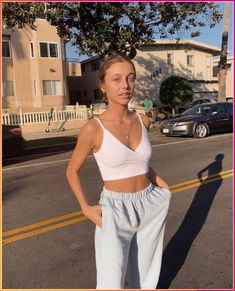casual outfits for winter . casual outfits for work . casual outfits for women . casual outfits for school . casual outfits for winter comfy Tenues Brandy Melville, Brandy Melville Outfits, Brandy Melville Style, Brandy Melville Clothing, Cute Comfy Outfits, Cute Summer Outfits, Cute Outfits With Sweatpants, Winter Outfits, Casual Summer