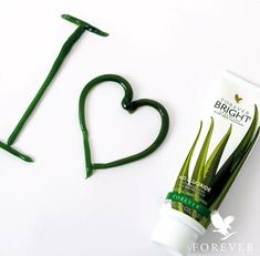 Forever Bright Toothgel is developed in collaboration with experts in the dental field. It is a fluoride-free toothpaste with Aloe Vera and bee propolis that cleans and gently polishes your teeth. A small dab is enough! Aloe Vera Face Mask, Aloe Vera For Hair, Aloe Vera Gel, Aloe Barbadensis Miller, Forever Bright Toothgel, Sante Bio, Forever Living Business, Forever Living Aloe Vera, How To Apply Lipstick