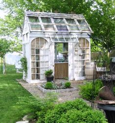 "donna reyne: Out in the garden. ""Tinker House"""