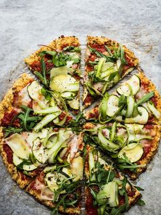 Asparagus & Courgette Cauliflower Flatbread {GF} - Izy Hossack - Top With Cinnamon - Vegetarian Recipes Vegetable Recipes, Vegetarian Recipes, Cooking Recipes, Healthy Recipes, Healthy Pizza, Healthy Eating, Pizza Stromboli, Zucchini, Cauliflower Pizza