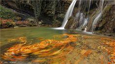 Otoño en movimiento - Autumn in motion by JosuPerianes #landscape #travel