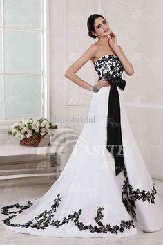 Black White Wedding Gown / Classic Lace Elegant Summer Banquet ...