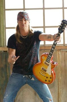 U and ur guitar rock Bret Michaels Poison, Bret Michaels Band, 80s Hair Bands, Country Boys, Les Paul, My Favorite Music, Music Is Life, Music Bands, Rock Music