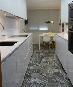 Cementine by Mutina Azulej: lo stile moderno della cucina si incontra con lo stile vintage del pavimento