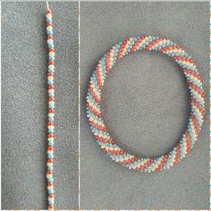 Zeynep Atalay – Willkommen bei Pin World Crochet Bracelet Pattern, Crochet Beaded Bracelets, Bead Crochet Patterns, Bead Crochet Rope, Bead Loom Bracelets, Bracelet Crafts, Beaded Jewelry Patterns, Bracelet Patterns, Beading Patterns