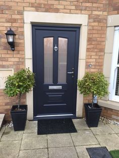 An Anthracite Grey Illinois with misted glass. Rockdoor manufacture the most secure Front doors, Back Doors and Barn Doors in the UK - Design y. Grey Composite Front Door, Grey Front Doors, Front Door Porch, Exterior Front Doors, House Front Door, Front Door Colors, Glass Front Door, Back Doors, Entry Doors