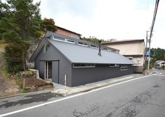 Wooden guesthouse in Japan by Alphaville Architects.