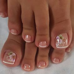 Ongles pour mariage Come visit us Often, we post fresh and surprising Nail designs every single day. Pretty Toe Nails, Cute Toe Nails, Cute Acrylic Nails, Gorgeous Nails, Cute Toes, Pretty Toes, Toe Nail Color, Toe Nail Art, Nail Colors