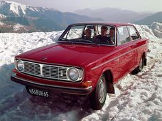 Volvo 142 S De Luxe Coupe  The thing with this one is... it was my first car ;)
