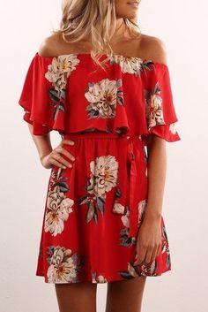 Çiçekli Elbise Modelleri kısa kırmızı omzu açık dökümlü kol   SadeKadınlar - Moda