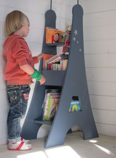 eiffel tower bookcase--adorable :)!