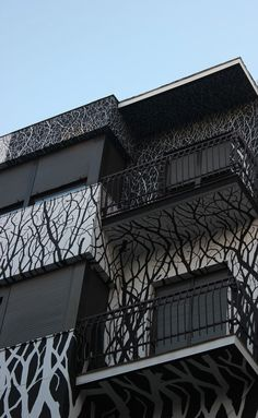 Nest by street artist Pablo Herrero