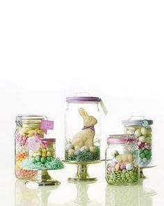 Easter display, in jars. Great for Easter table, and then you get to take them away as your Easter gift. Easter Candy, Hoppy Easter, Easter Treats, Easter Gift, Easter Eggs, Easter Decor, Easter Presents, Easter Food, Easter Recipes